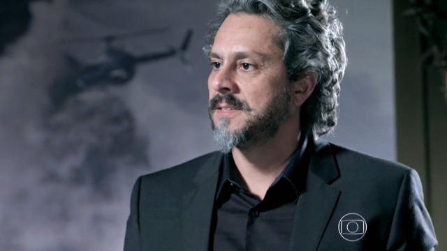 José Alfredo fica perplexo ao ouvir que Isis engravidou de Lucas
