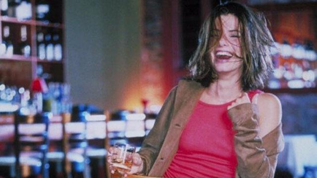 Gwen Cummings é uma escritora que leva sua vida de forma selvagem. Saltando de festa em festa, as coisas começam a mudar quando ela, bêbada, rouba a limusine no meio do casamento de sua irmã e bate com o carro numa casa. Encaminhada para um período de 28 dias numa clínica de reabilitação para dependentes de álcool, Gwen tem que aprender a vida num lugar onde as regras são rígidas e têm que ser cumpridas.