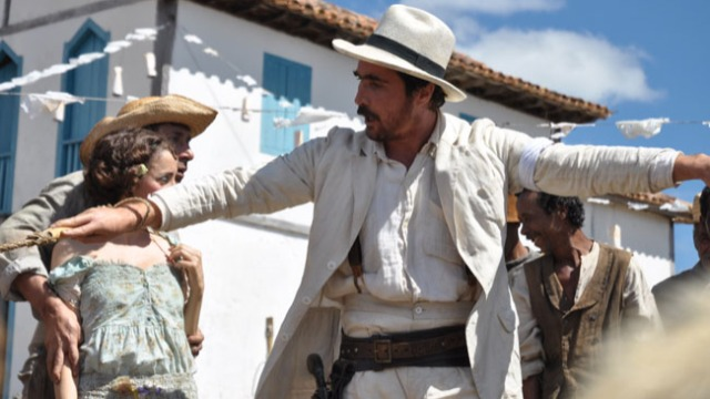 Drama baseado no conto homônimo de Guimarães Rosa. Augusto Matraga é um fazendeiro bruto e violento que está à beira da falência no sertão de Minas Gerais. Quando sabe por Quim que Dionóra fugiu com sua filha para viver com outro homem, ele parte em busca de vingança.