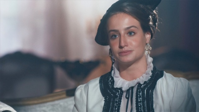 Luísa será chantageada por Leopoldina.