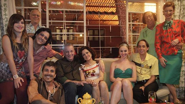 O 'Álbum da Grande Família' é uma reunião de episódios de várias temporadas, mostrando a evolução dos personagens ao longo dos 14 anos em que o seriado 'A Grande Família' esteve no ar.