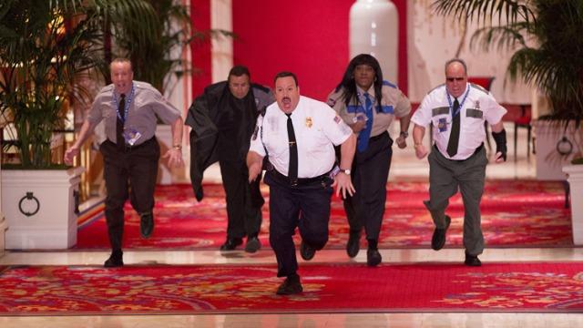 Nesta sequência, o segurança Paul Blart é contratado para trabalhar em um importante evento de arte na cidade de Las Vegas. Os colegas e os profissionais do cassino duvidam das competências dele, mas logo Blart poderá comprovar as suas habilidades contra um grupo de ladrões de obras de arte.