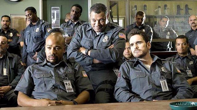 Grupo de seguranças de transportadora de valores arrisca suas vidas quando se envolve em um grande assalto contra a própria empresa para qual trabalham.