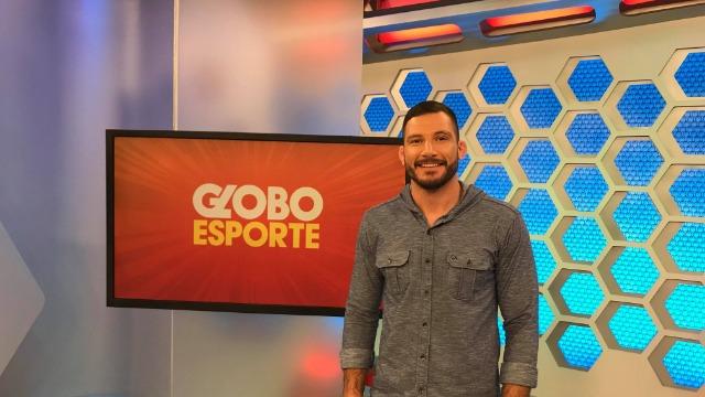 Telejornal esportivo local, exibido de segunda a sábado, logo após o Meio Dia Paraná.