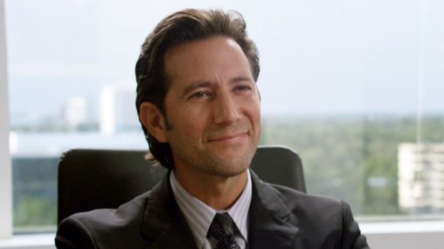 Depois de ter sua casa destruída por um tornado, Frank, um recém- formado advogado, decide processar Deus.