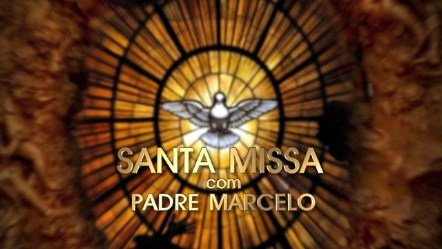 Padre Marcelo Rossi celebra todos os domingos missa para todo o Brasil. Mais antigo programa da Globo, a Santa Missa foi transmitida pela primeira vez em fevereiro de 1968.