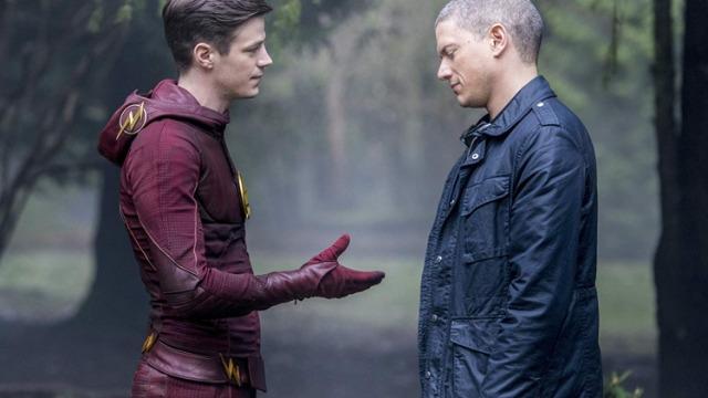 No episódio Rua Infantino, Barry escolhe usar qualquer meio necessário para salvar a mulher que ama. Em Linha de Chegada, o episódio seguinte,  Barry enfrenta o Savitar.