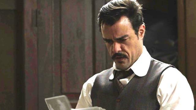 Olegário descobre as provas que incriminam o delegado e inocentam Elisabeta