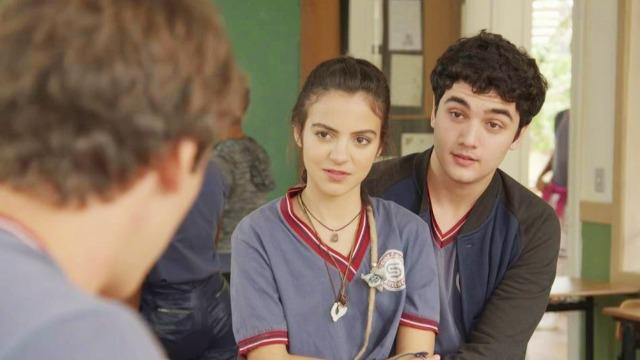 Amanda explica sua doença para Santiago