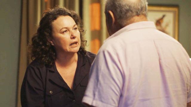Agenor proíbe Maura de voltar para casa e Nice o enfrenta