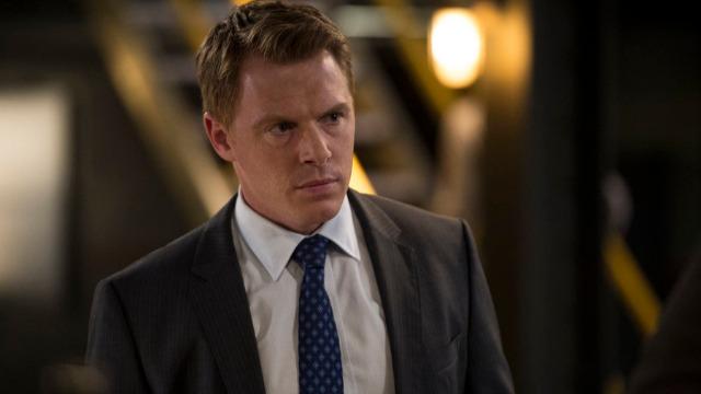 O agente Keen e Red estão fugindo do FBI, enquanto Dembe recebe contato que comprometerá seu futuro.