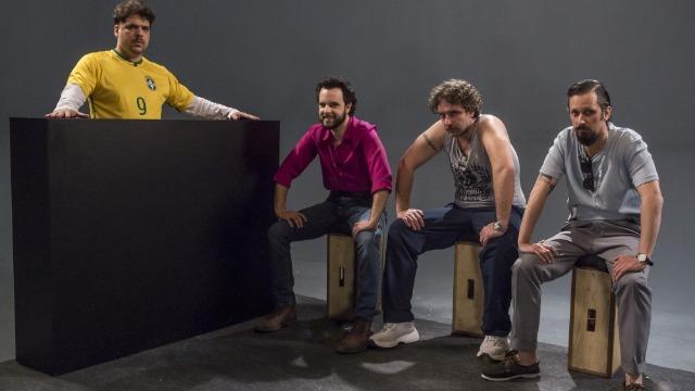 Personagens mais famosos do transporte alternativo do Brasil debatem filmes de maneira bem humorada
