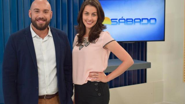 Comece o seu sábado bem informado com as principais notícias de sua região. O telejornal é apresentado por Ádison Ramos e Priscila Dianin.