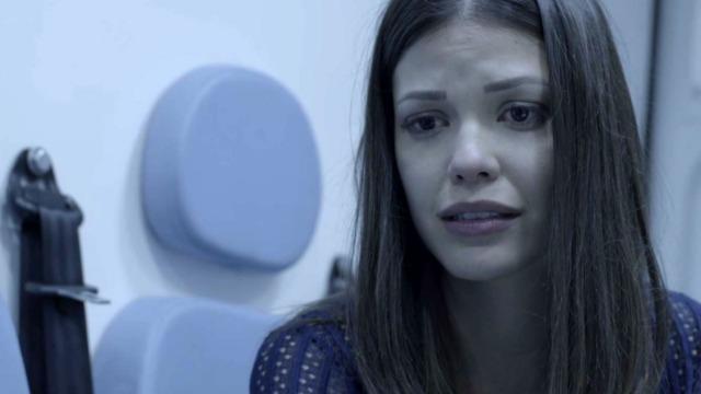 Cris se culpa pelo acidente, e Américo tira proveito da situação - sob a desconfiança de Margot.