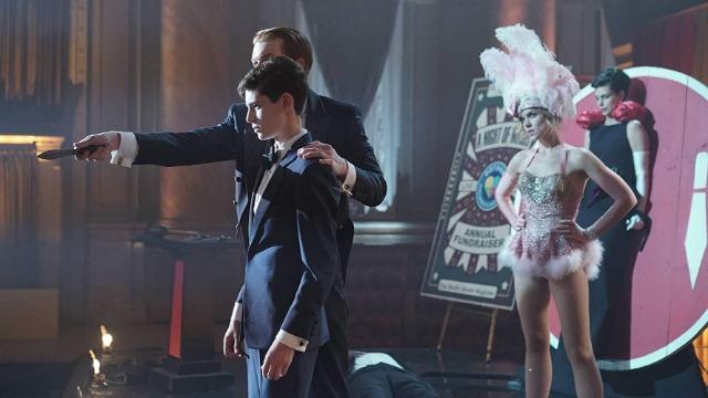 Gordon e Bullock vão atrás de um inimigo do passado, e um show de mágica no Gotham Children's Hospital acaba com reféns.