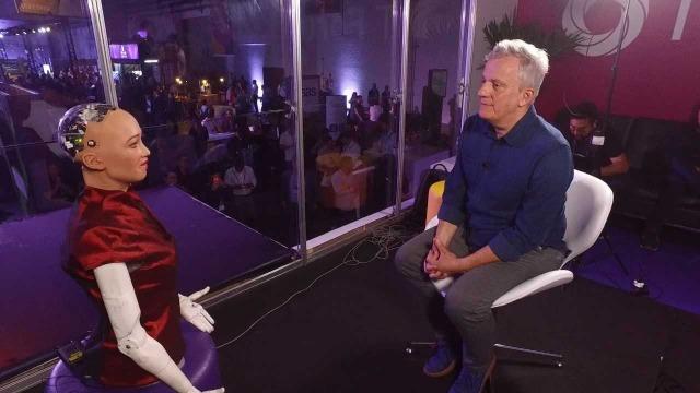 'Fantástico' entrevista a robô Sophia