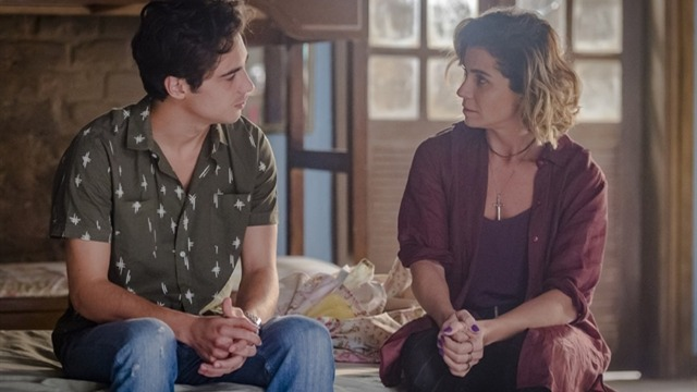 Luzia e Valentim têm conversa emocionante de mãe e filho