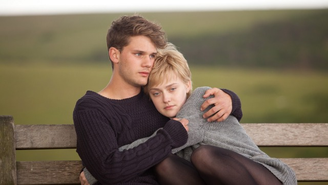 Tessa, uma jovem que sofre de leucemia, faz uma lista das coisas que gostaria de fazer antes de morrer. No topo da lista está o desejo de perder a virgindade. Sem perder o amor pela vida, ela se envolve com Adam, um rapaz que mora na casa ao lado.