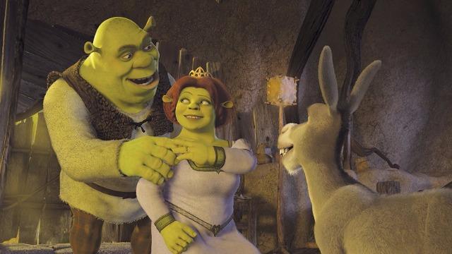 O pai de Fiona descobre que sua filha não se casou com o príncipe a quem estava prometida e que se tornou uma ogra. Agora, Shrek tem que lutar para provar o seu valor e recuperar a esposa.