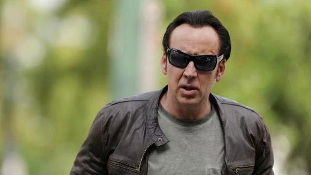 Paul Maguire, um ex-vigarista, busca encontrar os sequestradores de sua filha para evitar que seu passado criminoso seja revelado.