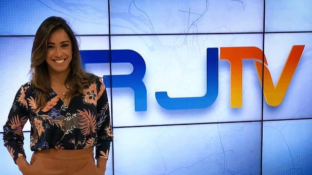 Apresentado por Ana Paula Mendes, o telejornal da hora do almoço traz as principais notícias das regiões Serrana, dos Lagos, Norte e Noroeste Fluminense.