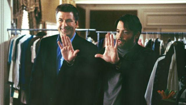 Joe Devine é um agente do FBI que elaborou um plano para prender o chefão da máfia John Gotti. Joe se faz passar por um produtor de Hollywood e conta as mentiras certas para recrutar um simplório que o ajude no seu plano. O sonhador Steven Schats, que almeja muito dirigir um filme, cruza seu caminho e é facilmente iludido por Joe, que diz ter adorado o roteiro de