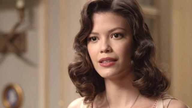 De volta ao passado, Cris descobre segredo sobre a família de Julia