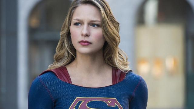 Na segunda temporada, Kara deixou o conforto de ser a assistente de Cat para trás para poder descobrir o que realmente quer fazer em sua vida 'normal', enquanto como Supergirl ela continua trabalhando com o DEO e protegendo os cidadãos de National City, além de procurar freneticamente pelo paradeiro de Jeremiah e Cadmus. No caminho, ela vai acabar se juntando ao Superman para enfrentar novos vilões, enquanto tenta balancear sua vida pessoal com sua vida de super-heroína..