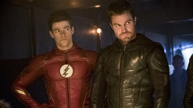 Todos se reúnem para o casamento de Barry e Iris, mas a cerimônia é interrompida por vilões da Terra-X.