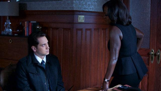 Asher percebe que nem tudo é o que parece quando se trabalha para Annalise. Ao mesmo tempo, a investigação de Wes sobre o desaparecimento de Rebecca leva a um confronto explosivo.