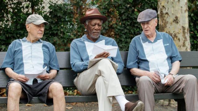 Willie, Joe e Albert são amigos há décadas. Eles levam uma vida pacata, mas sofrem com problemas financeiros. Quando Willie testemunha o assalto milionário a um banco, decide chamar Joe e Albert para elaborarem o seu próprio roubo. É a vez de os idosos se rebelarem contra a exploração dos bancos.