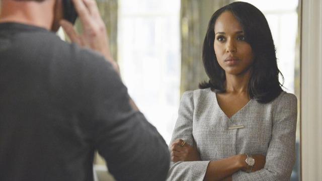 Episódio 'Uma Mulher Rejeitada': Mellie se muda secretamente e ameaça revelar as infidelidades. Cyrus avisa que as ameaças de Mellie são motivo de preocupação.