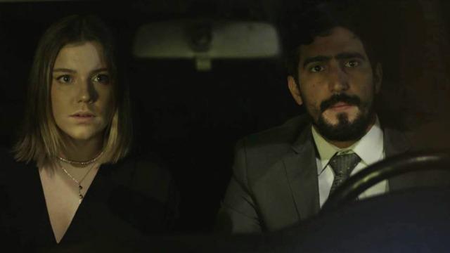Laila vê Dalila/Basma e Jamil juntos no carro