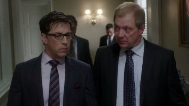 Episódio 'Segredos da Primeira Dama': Fitz precisa lidar com uma dura realidade quando antigos sentimentos e ciúmes vêm à tona durante um evento. E Quinn quer mostrar o seu valor.