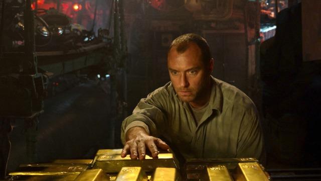 O capitão Robinson tem uma missão: encontrar um submarino naufragado, que carrega um valioso tesouro nazista. Para tanto, ele conduz seu submarino em uma viagem tensa e claustrofóbica rumo às profundezas do Mar Negro.
