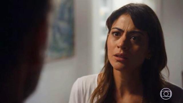 Helena termina com Elias: 'Quero um homem só para mim'