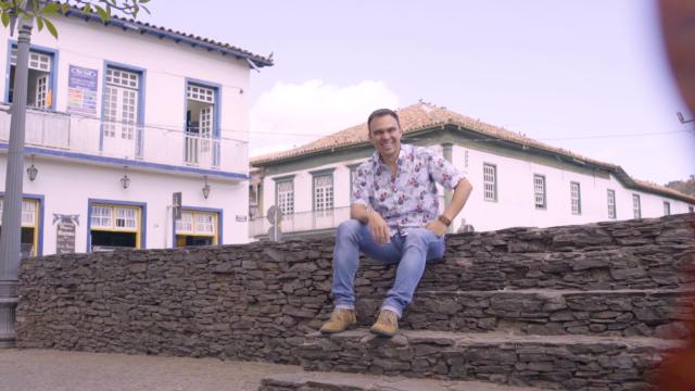 Mário Freitas viaja por Minas Gerais mostrando personagens curiosos, gente simples, lendas, muita prosa e entretenimento.