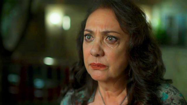 Rania é confrontada por Santinha sobre o assassinato de Aziz e Fauze ouve.