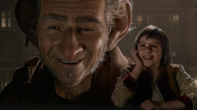 A pequena órfã Sophie encontra um gigante amigável que, apesar de sua aparência assustadora, se mostra uma alma bondosa, um ser renegado pelos seus semelhantes por se recusar a comer meninos e meninas. A garotinha, a rainha da Inglaterra e o ser de sete metros de altura unem-se em uma aventura para eliminar os gigantes malvados que estão planejando tomar as cidades e aterrorizar os humanos.
