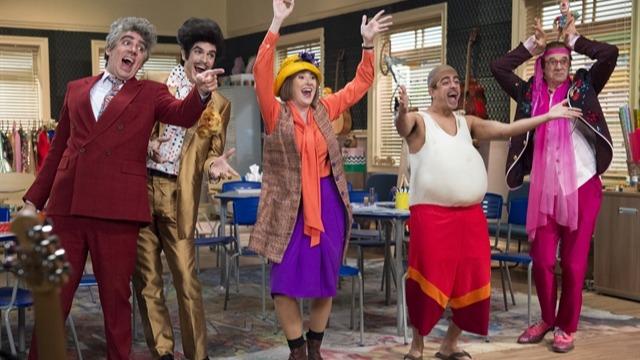 Turma improvisa musical 'Os Saltimbancos'