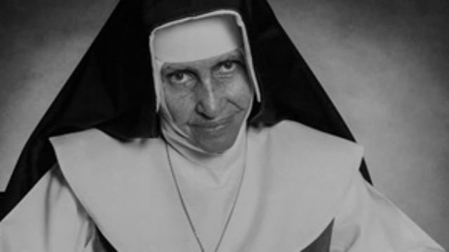 Brasileira indicada ao Nobel da Paz e reconhecida mundialmente pelo desenvolvimento de um trabalho filantrópico, Irmã Dulce se tornará a primeira santa nascida no Brasil em uma cerimônia de canonização realizada pelo Papa Francisco no Vaticano.