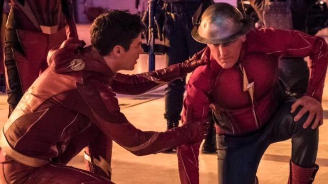 Episódio 'Entrando no Flash Time': Barry, Jessie Quick e Jay Garrick são obrigados a dar uma maneirada quando uma bomba nuclear é detonada no centro de Central City.