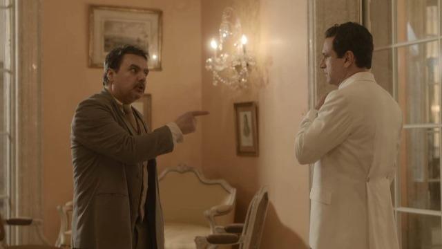 Afonso dá um soco em João Aranha e ordena que ele se afaste de sua família.