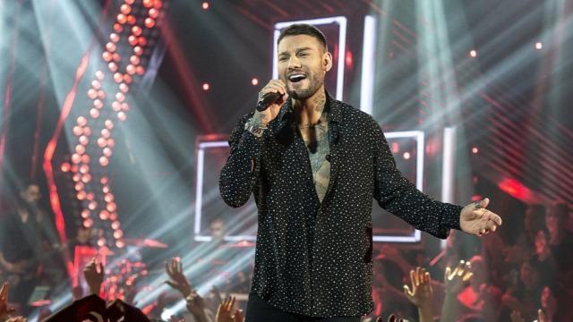 Dilsinho, Yasmin Santos, Lucas Lucco e Buchecha sobem ao palco do programa e apresentam as músicas que estão no topo dos rankings das rádios e também na internet.