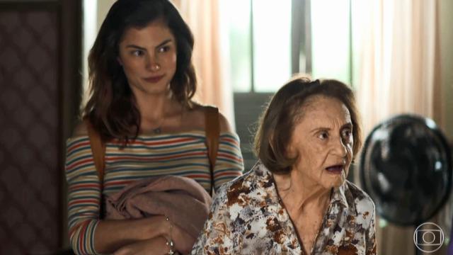 Matilde quer dar recado a Maria da Paz: 'Uma fada ruim roubou a filha dela'.