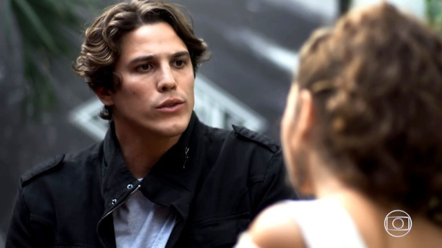 Rui faz Joaquim perder o controle e propõe aliança a Rita.