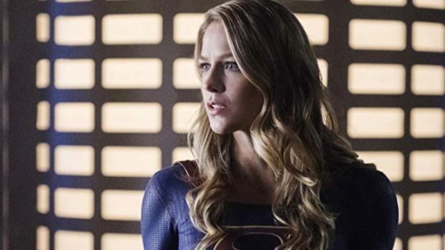Episódio 'Fort Rozz': Supergirl e Saturn Girl recrutam Livewire e Psi para uma missão com objetivo de resgatar um prisioneiro do Fort Rozz que sabe como derrotar Reign.