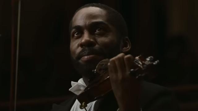 Laerte é um violinista que, após não passar em um teste para a Osesp, vai dar aulas em uma favela na periferia de São Paulo. Lá, descobre um garoto com talento excepcional e, por meio da música, faz com que ele abandone o tráfico de drogas e dê um novo sentido para sua vida.