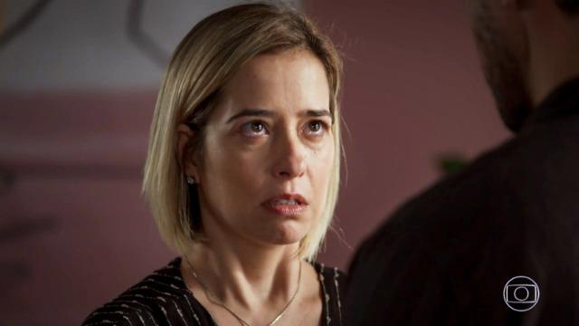 Joaquim confessa traição para Lígia e pede o divórcio.