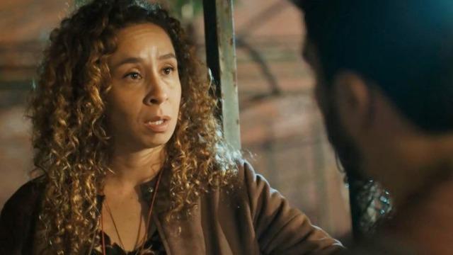Léo conta para Eliete sobre o caso de Lúcia e Jaci.
